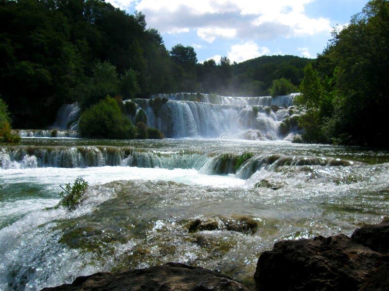 Tre lilla vattenfall i Kroatien royaltyfri fotografi
