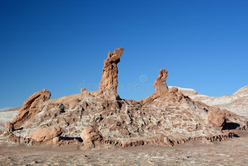 Tre Maries vaggar bildande Valle de la Luna eller månedal San Pedro de Atacama chile royaltyfria foton