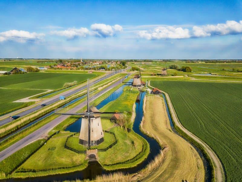 Tre mulini a vento nel Nord dei Paesi Bassi immagine stock libera da diritti