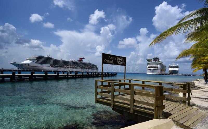 Tre navi da crociera in Cozumel, Messico fotografia stock libera da diritti