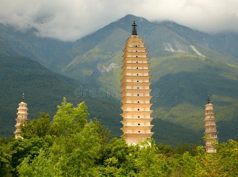 Tre pagoder i Dali. Yunnan landskap, Kina. fotografering för bildbyråer