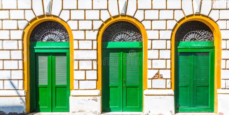 Tre porte verdi immagini stock libere da diritti