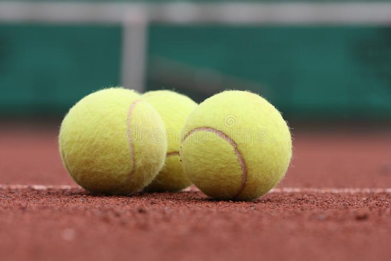 Tre sfere di tennis immagini stock libere da diritti