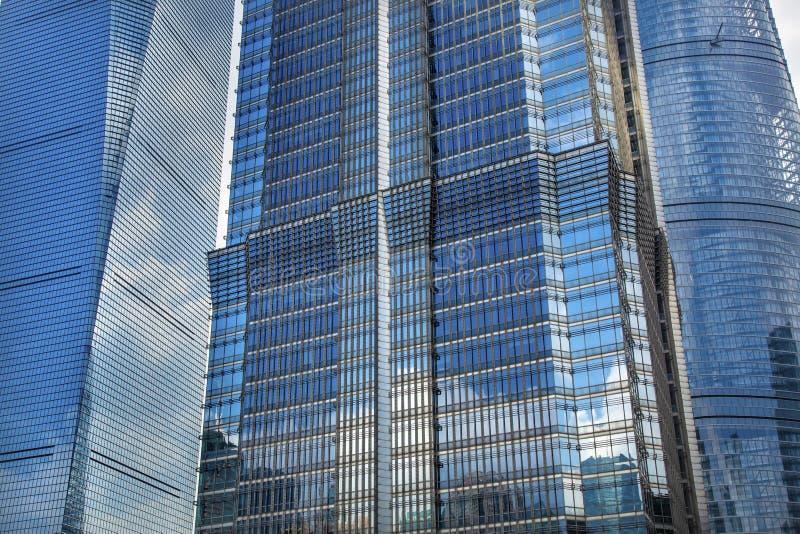 Tre skyskrapor Liujiashui Shanghai Kina arkivfoton