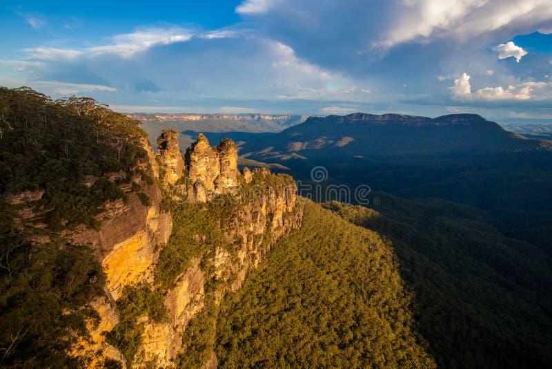 Tre sorelle in montagne blu di NSW, Australia immagine stock libera da diritti