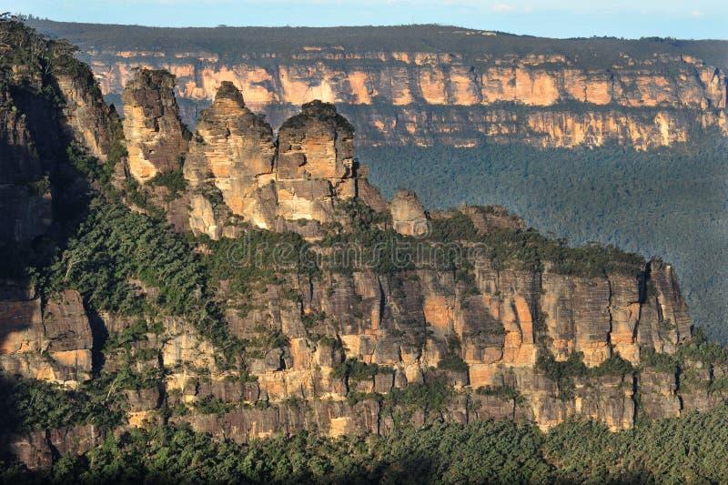 Tre systrar landscape, blåa berg, Australien fotografering för bildbyråer