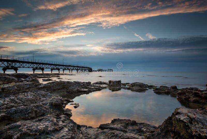 tre te восхода солнца c d Франции Нормандии пляжа alb утесистое стоковая фотография rf