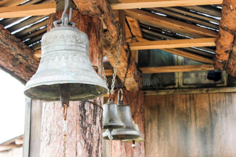 Tre vecchie campane immagine stock