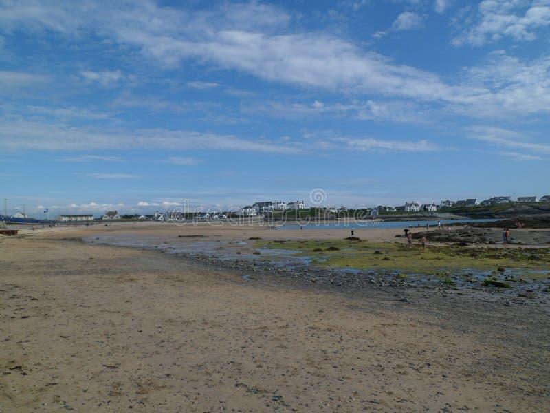 Trearddur-Bucht Lanscape bei Ebbe lizenzfreies stockfoto