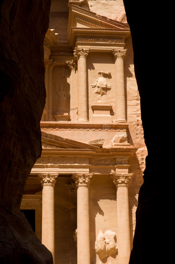 Download The Treasury And The Siq Stock Photos - Image: 10400903