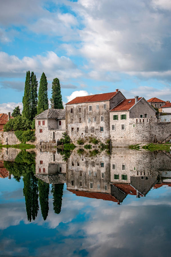 Trebinje, une ville en la Bosnie-Herzégovine photographie stock