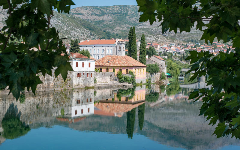 Trebinje, une ville en la Bosnie-Herzégovine images libres de droits