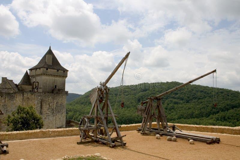 Trebuchets em Castelnaud, France foto de stock royalty free