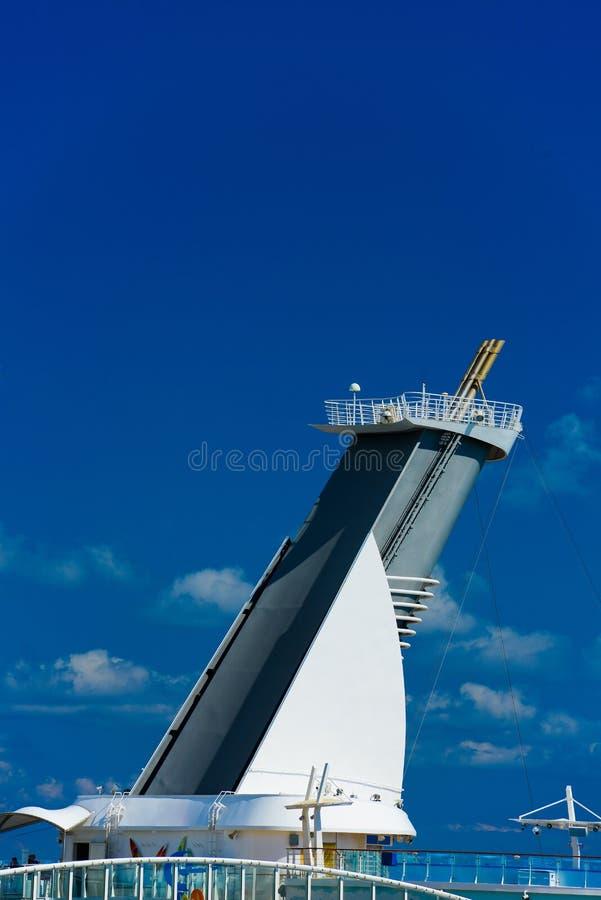Trechter van cruiseschip royalty-vrije stock fotografie