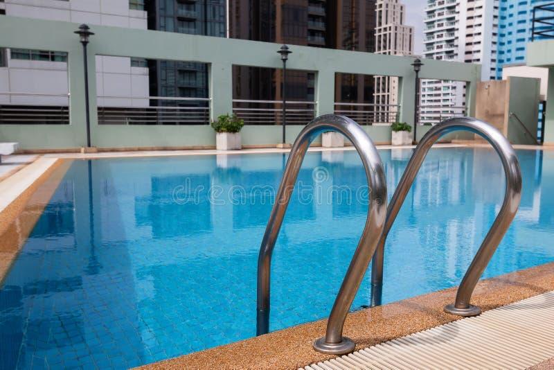 Trede van Zwembad royalty-vrije stock foto