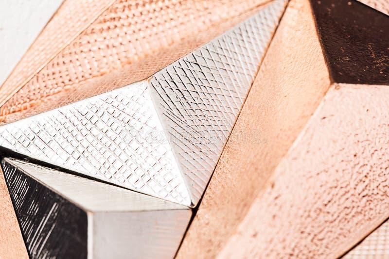 Tredimensionellt metalliskt abstrakt begrepp för makro arkivfoton