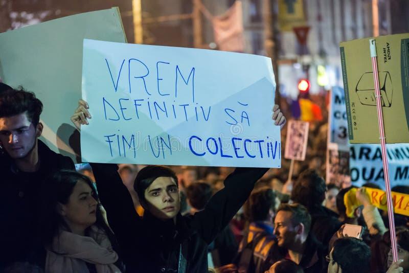 Tredje dag av protesten mot coruption och rumänsk regering royaltyfri bild