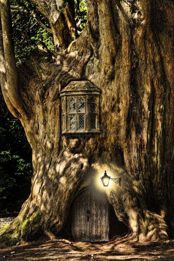 tree för miniature för sagafantasihus royaltyfri fotografi