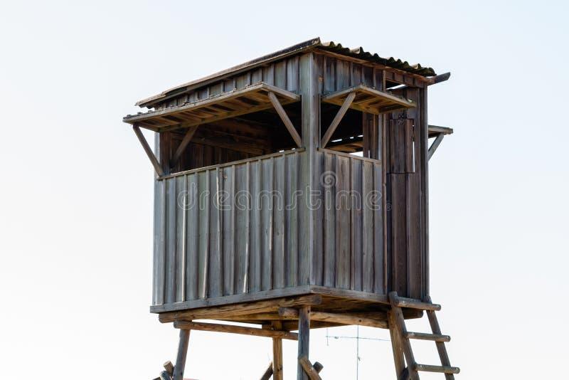 Treehouse för ungar Lekstuga i vit bakgrund arkivbilder