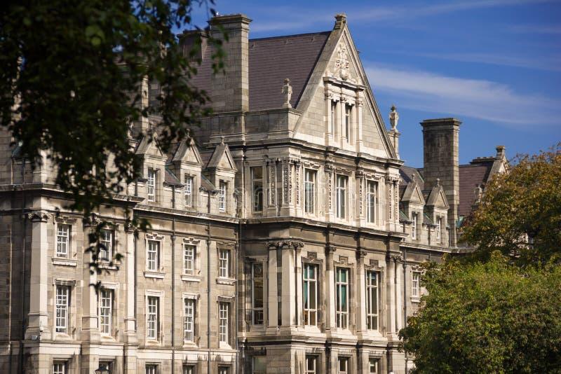 Treenighethögskola Minnes- byggnad för kandidater dublin ireland arkivbilder