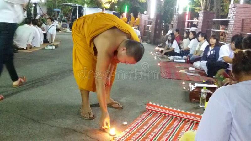 'Tref alvorens te bidden' voorbereidingen stock foto