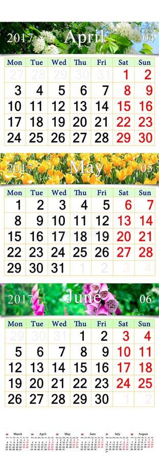 Trefaldig kalender för April May och Juni 2017 med bilder royaltyfri bild