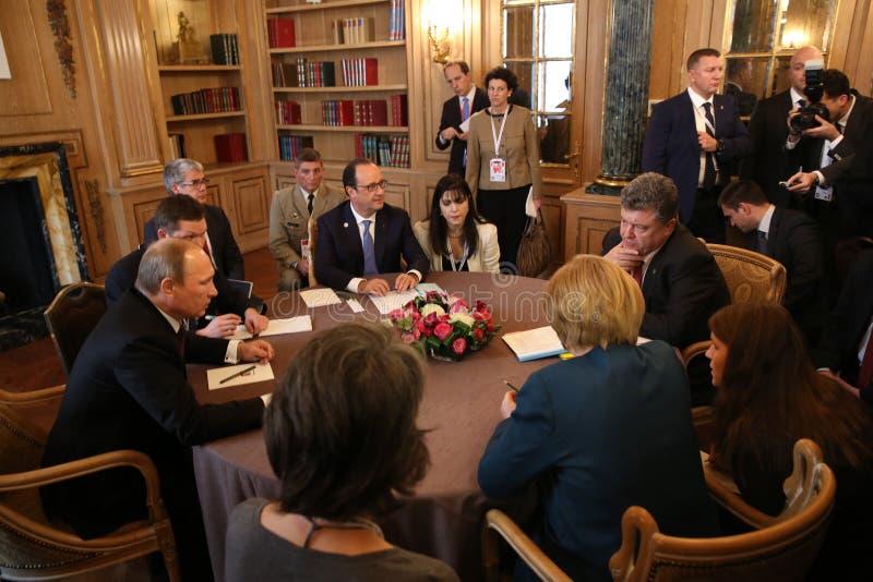 Treffen auf ASEM-Gipfel von europäischen und asiatischen Führern stockfotos