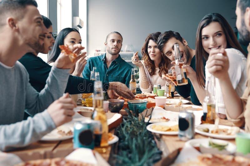 Treffen von besten Freunden lizenzfreie stockfotografie