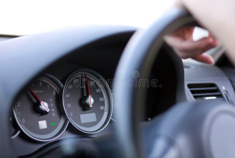 Treiben Sie das Auto an stockfoto