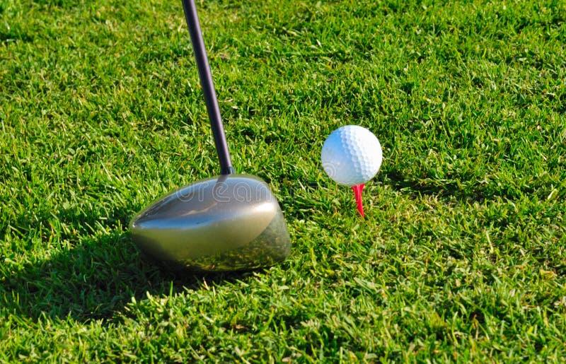 Treiben Sie Golf an lizenzfreie stockfotografie