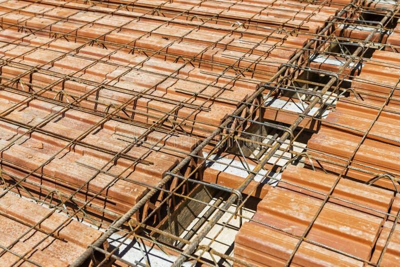 Treillagez la poutrelle pour le bloc concret renforcé des pavés et d'argile photos stock