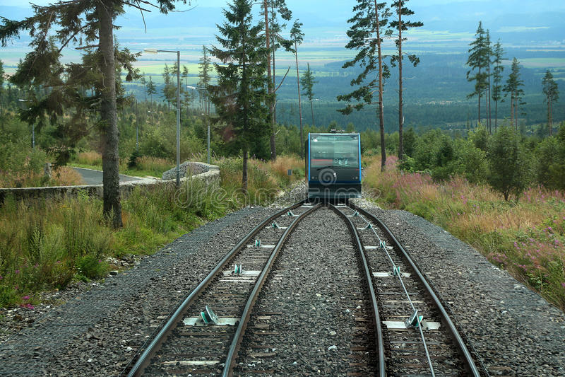 Trein in bergen royalty-vrije stock foto's