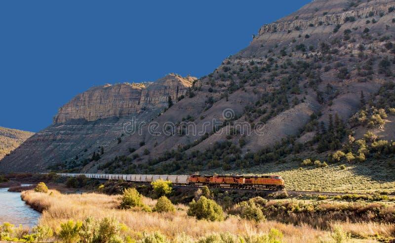 Trein dichtbij Gips, Colorado royalty-vrije stock afbeelding