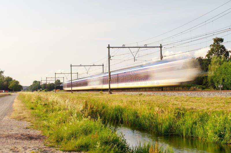 Trein met snelheid stock afbeelding