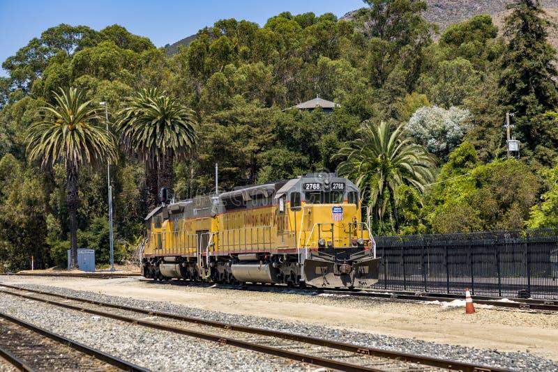 trein op het treinstation van San Luis Obispo stock afbeelding