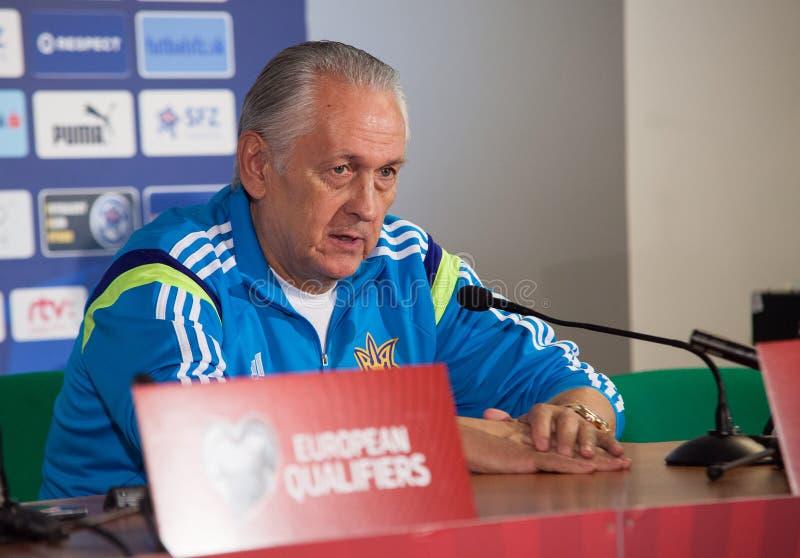 Treinador principal Mykhailo Fomenko da equipe de futebol fotos de stock royalty free