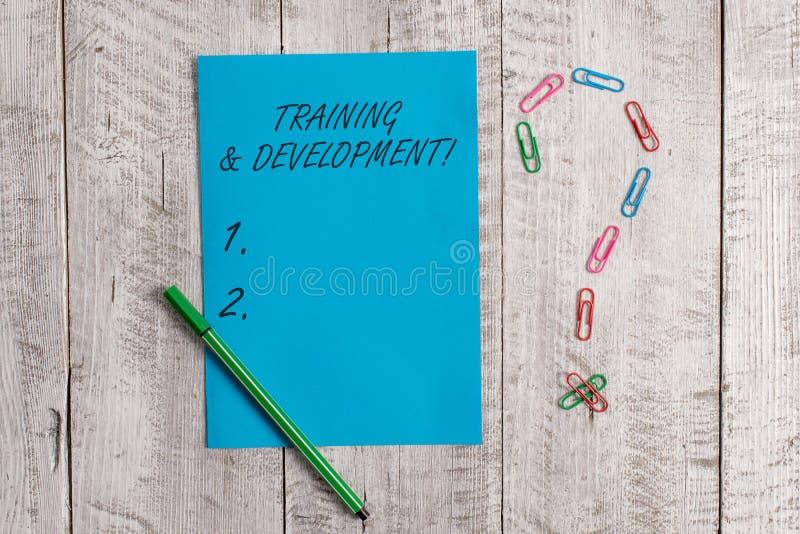 Treinamento e desenvolvimento do texto da escrita O significado do conceito organiza a aprendizagem adicional expede a cor pastel imagens de stock