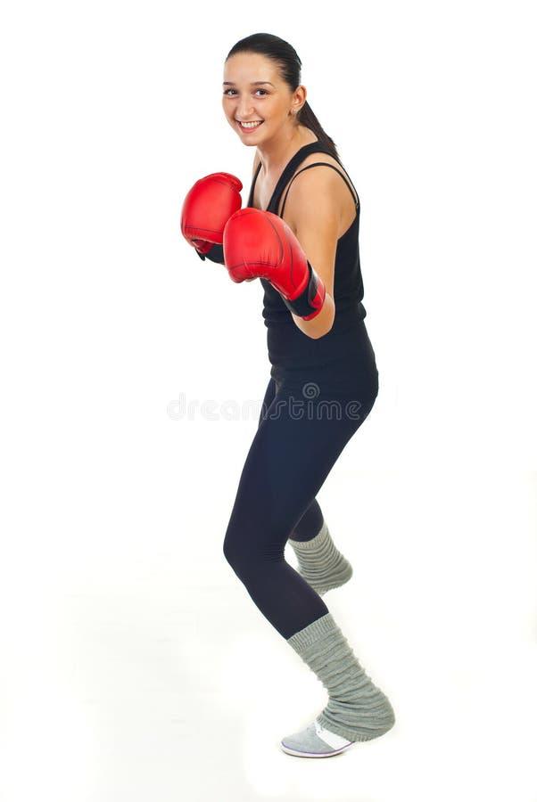 Treinamento feliz da mulher do pugilista foto de stock