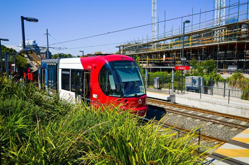 Treine na estação de trilho clara, Sydney, Austrália imagem de stock