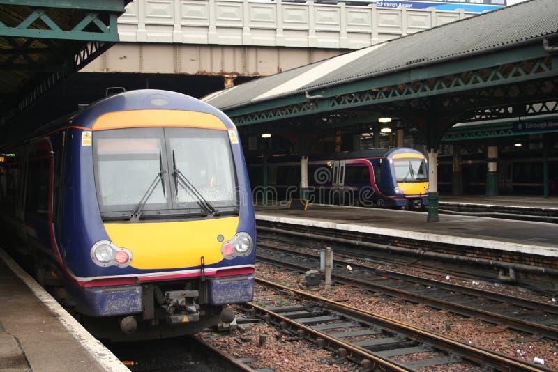Treinen in station royalty-vrije stock foto's