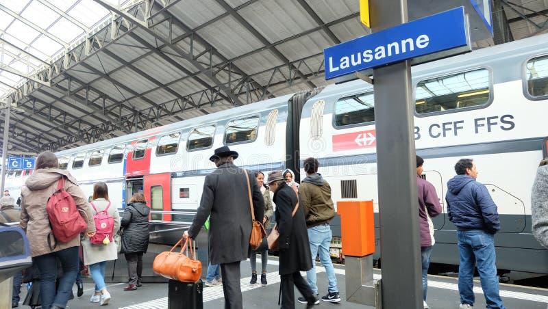 Treinplatform bij de Post van Lausanne stock foto's