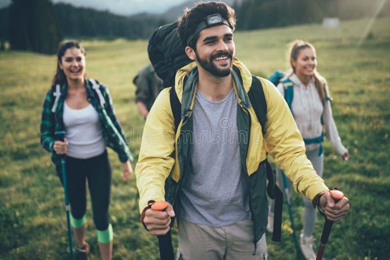 Trek van de de Ervaringsrugzak van de Wandelingsbestemming de Levensstijlconcept stock foto