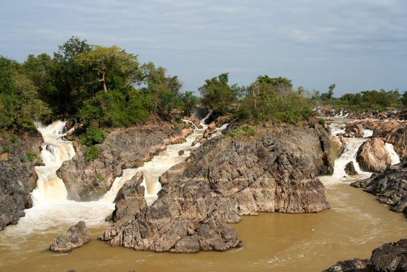 Trek waterval Khon aan stock fotografie