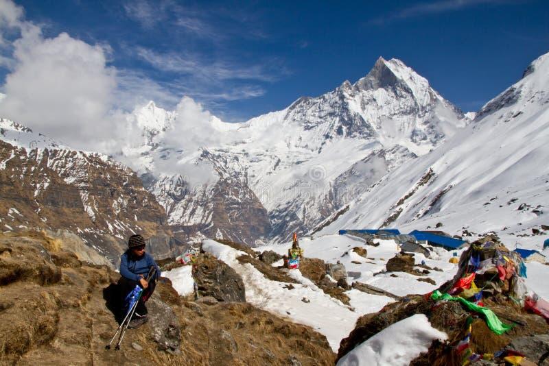 Trekker boven Annapurna Basecamp royalty-vrije stock afbeelding