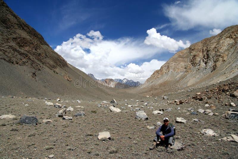 Trekker em Karakorum imagem de stock