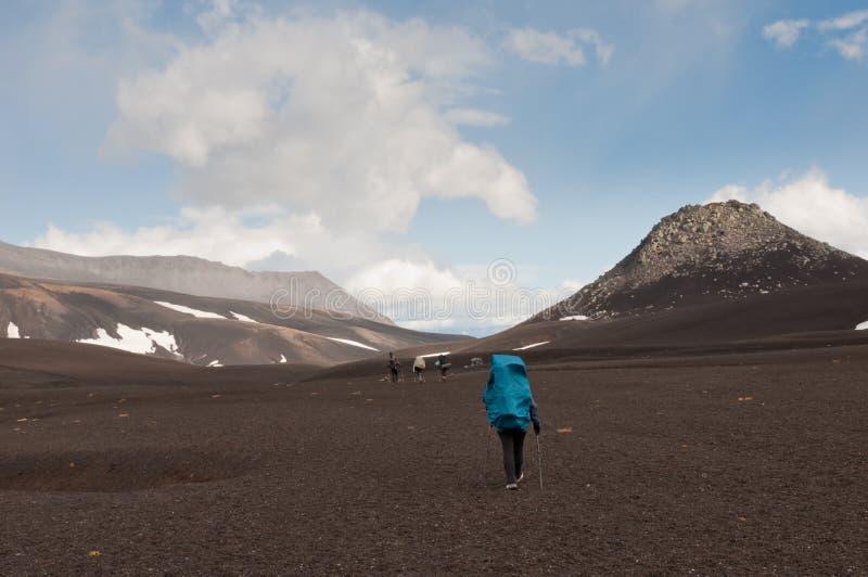Trekking bij het Schiereiland van Kamchatka Avachinskypas royalty-vrije stock afbeeldingen