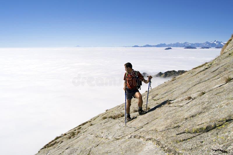 Trekking in de Alpen royalty-vrije stock fotografie