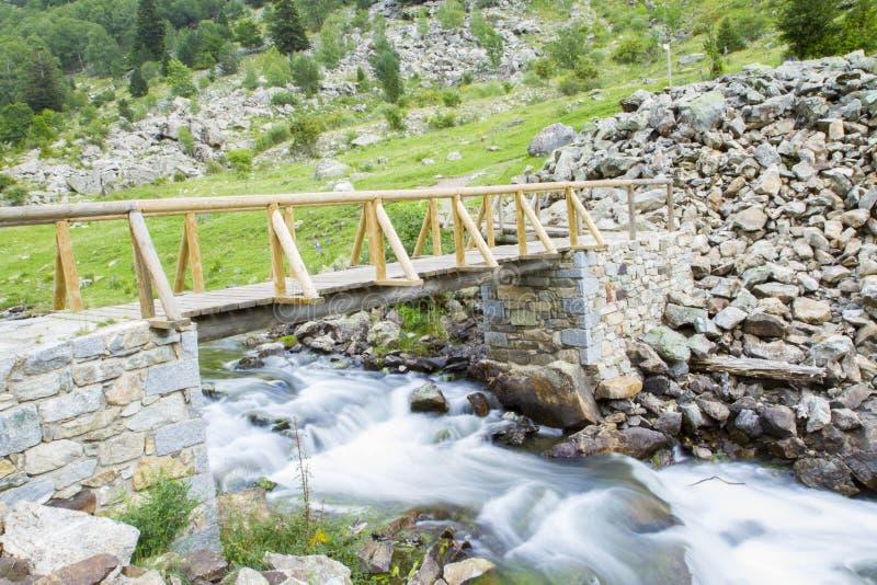 Trekking in den Bergen stockfoto