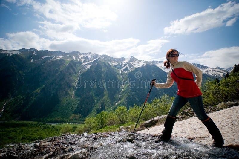 Trekking in den Bergen stockfotografie