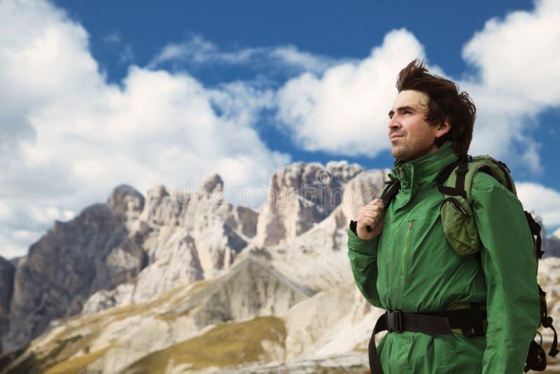 Trekking in dolomia, Italia immagini stock